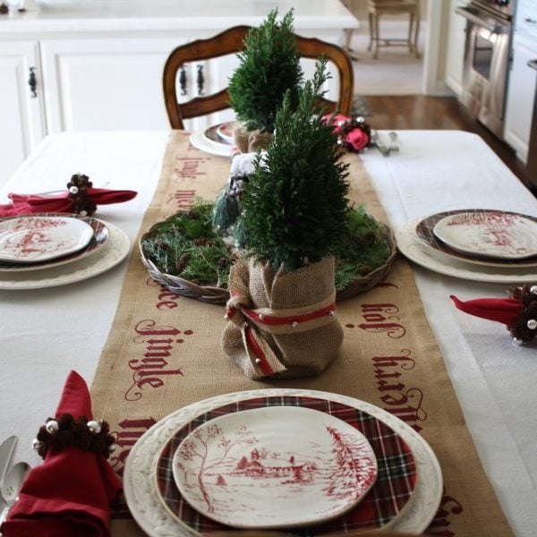 A Traditional Natural Christmas Tablescape