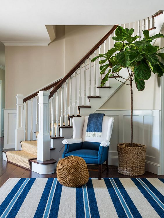 Freshen up your home with these gorgeous entryway ideas! From coastal to farmhouse and modern, these ideas will be sure to inspire you! See more on https://ablissfulnest.com/ #entrywayideas #entryway #entry