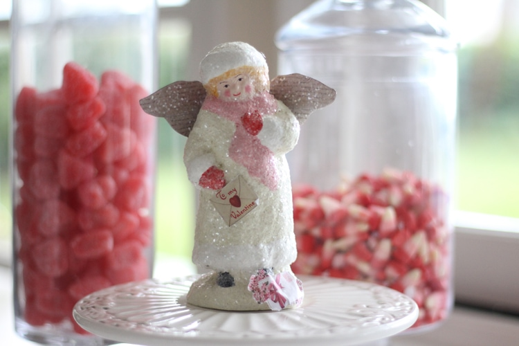 You are going to love this Valentine's Day Decor Ideas for the Kitchen! See it all at https://ablissfulnest.com/ #ValentinesDay #ValentineDecor