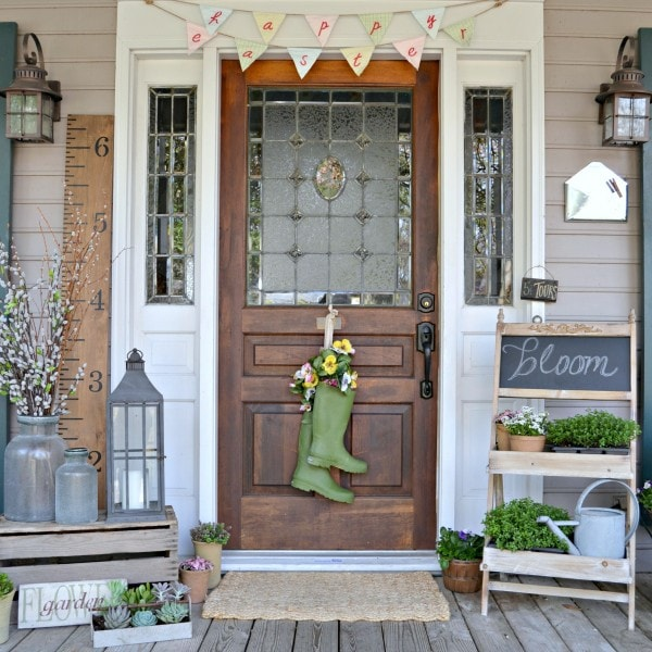 We are ready for spring!! These spring front porches are gorgeous and is a load of inspiration to refresh your porch. See more on https://ablissfulnest.com/ #frontporches #springfrontporch