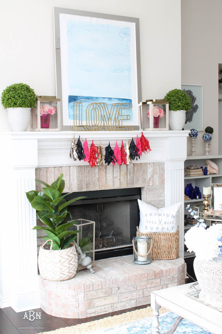 Love this modern look for a Valentine's Day mantle decor! Super easy to recreate with links to all the products. See more on https://ablissfulnest.com/ #valentinesday #valentinesdaydecor