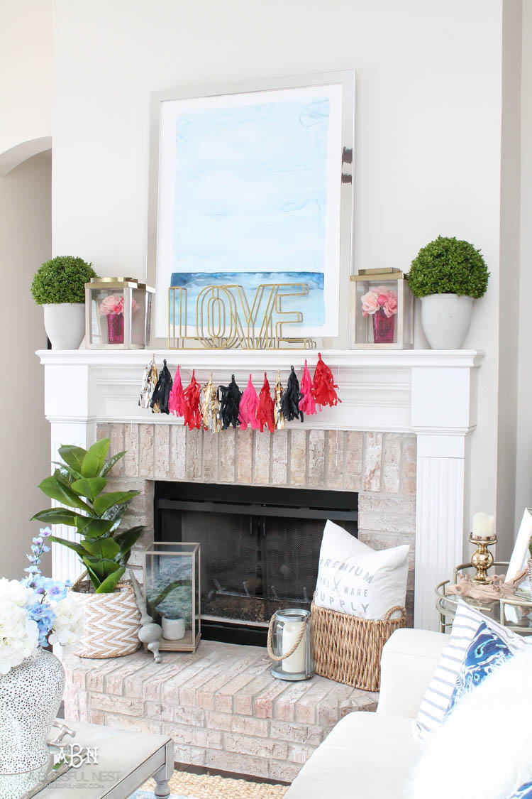 Love this modern look for a Valentine's Day mantle decor! Super easy to recreate with links to all the products. See more on http://ablissfulnest.com/ #valentinesday #valentinesdaydecor