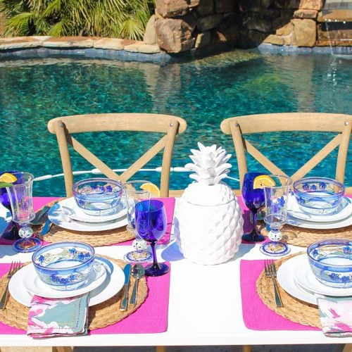 A bright and fresh spring table setting idea perfect for Easter, Mother's Day or a pool party! See more on http://ablissfulnest.com/ #tablesetting #tablescape #springtabledecor