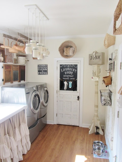 These are the BEST creative laundry room ideas for organization and design! See more on https://ablissfulnest.com/ #ABlissfulNest #laundryroom #designtips #organizationideas