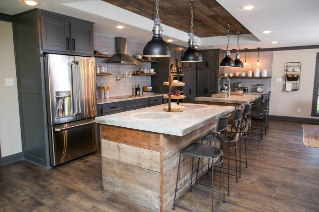 Before And After This Renovated Ranch Kitchen Beautifully Blends Rustic With Modern: Modern Farmhouse Kitchens For Gorgeous Fixer Upper Style