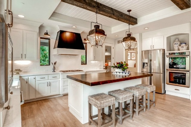 Modern farmhouse kitchens for gorgeous fixer upper style - Farmhouse style kitchen cabinets ...