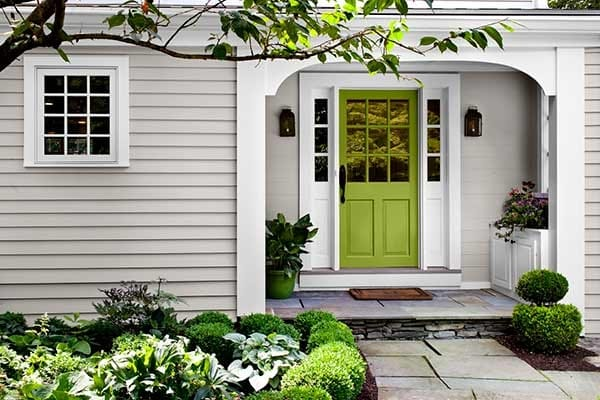 These are the BEST front door paint colors to add to your curb appeal! See & Front Door Paint Colors to Create Gorgeous Curb Appeal