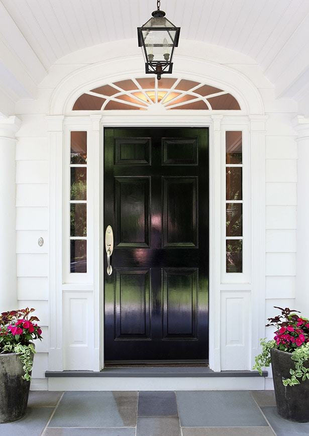 These are the BEST front door paint colors to add to your curb appeal! See more on https://ablissfulnest.com #curbappeal #designtips #paintcolors