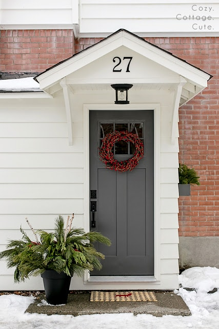 These are the BEST front door paint colors to add to your curb appeal! See more on http://ablissfulnest.com #curbappeal #designtips #paintcolors