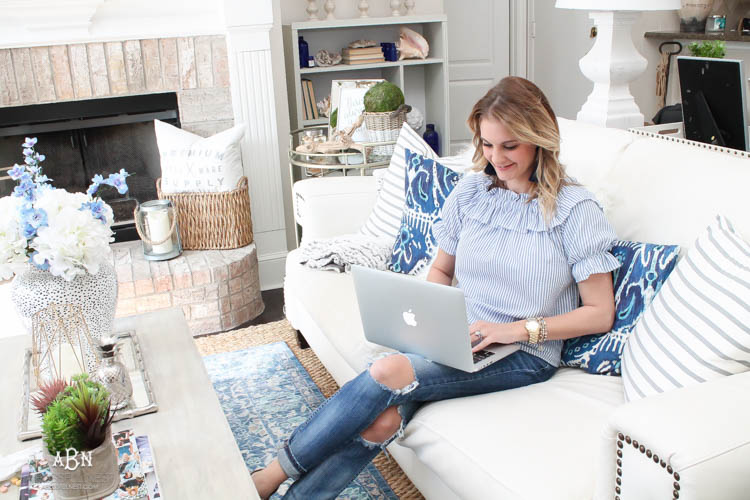Use these 10 tips to build your blog post so it is seo rich and build your blogging audience. These are simple and practical blogging tips to follow! See more on https://ablissfulnest.com/