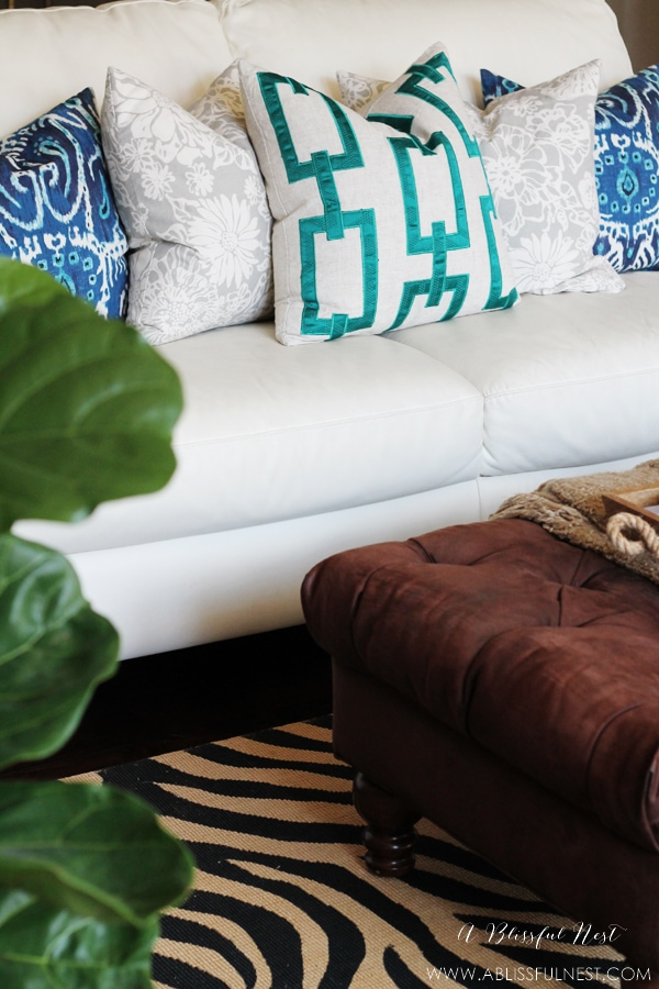 A guide to decorating & styling pillows