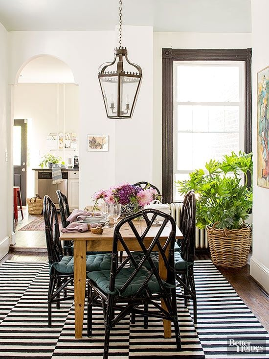 Grab the design details of this gorgeous modern dining room!