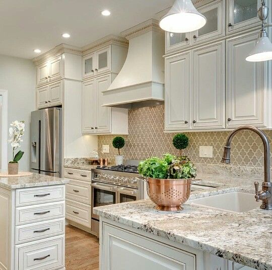 Beautiful Country Kitchen Pictures Photos And Images For Facebook Tumblr Pinterest And Twitter: 20 Beautiful Kitchen Cabinet Colors