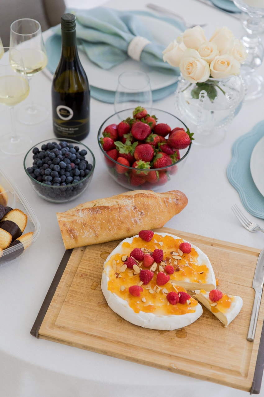 THE yummiest brie recipe from The Fashionable Hostess!