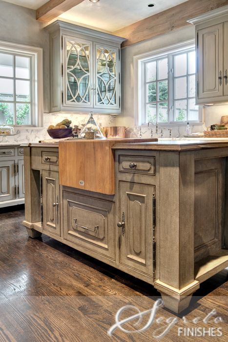 Spectacular These are the best kitchen cabinet colors to choose from Love all the variations to