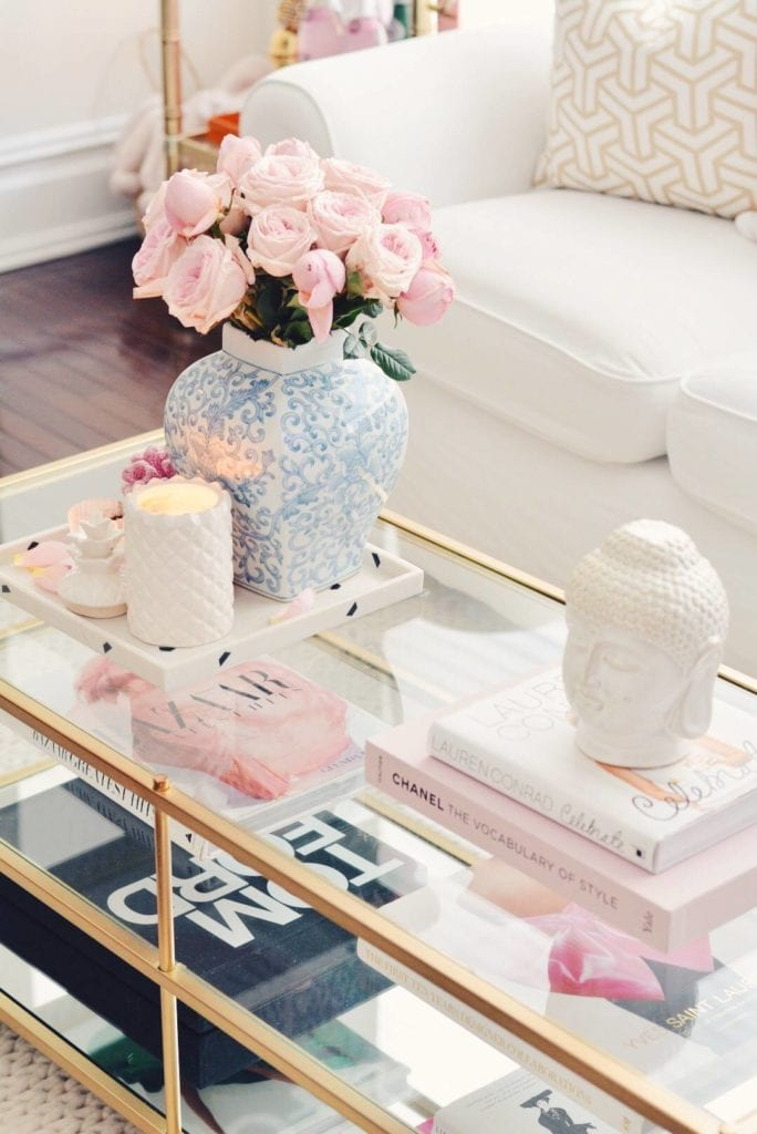 Come stile un tavolino - Lo stile del tavolino è facile con questi 5 suggerimenti, scopri di più su https://ablissfulnest.com/ #designtips #interiors