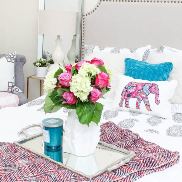 Guest bedroom refresh ideas with the new bright and colorful Vera Bradley bedding collection! #ad #verabradley