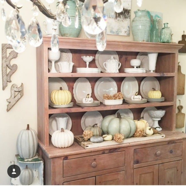 20 gorgeous neutral fall decor ideas from cottage farmhouse style to more modern touches!