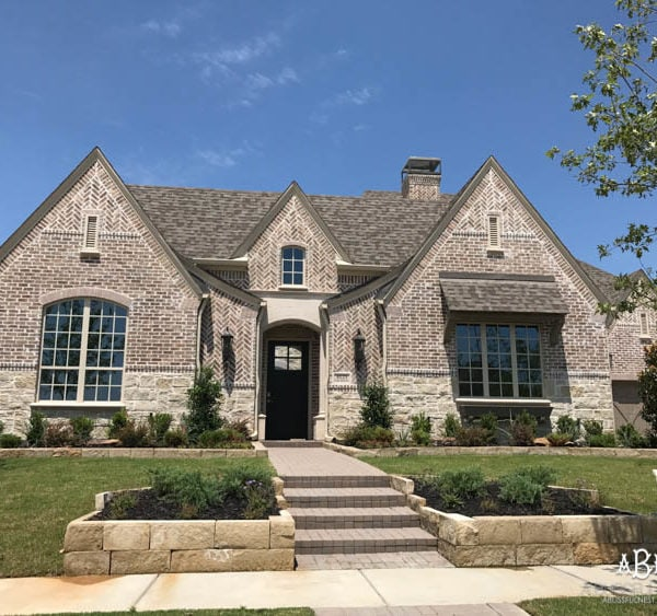How To Choose a Brick or Stone Exterior Finish for your Home