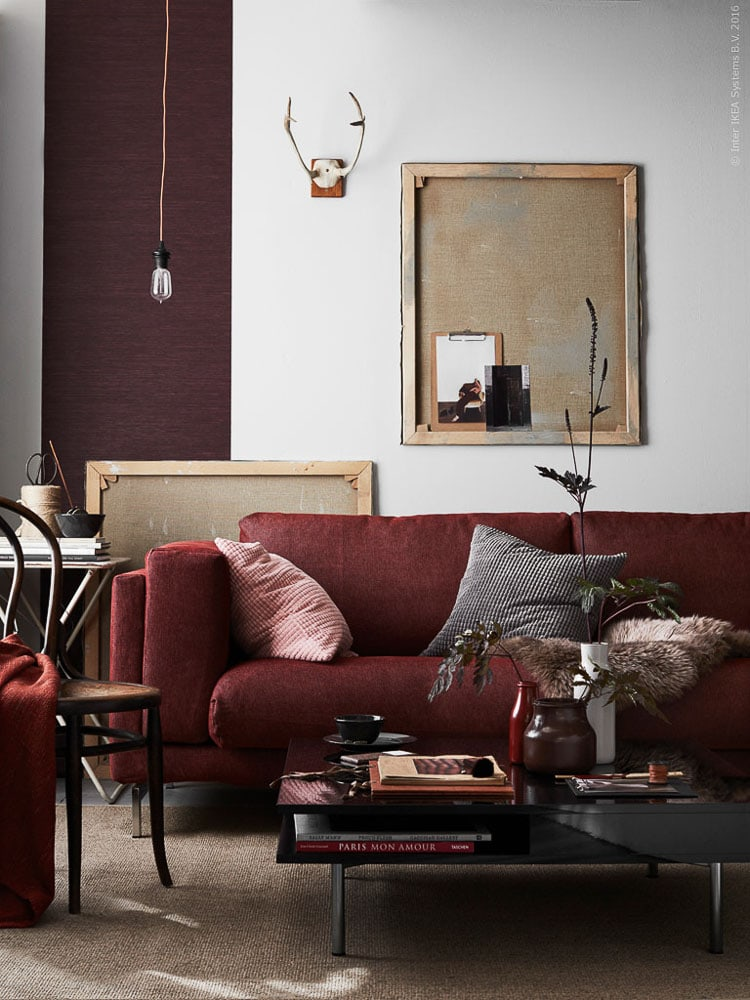 An easy way to add warm into the home is to decorate with burgundy, easy go to tips are on the blog, for more visit https://ablissfulnest.com #burgundyinteriors #interiordesign #decor