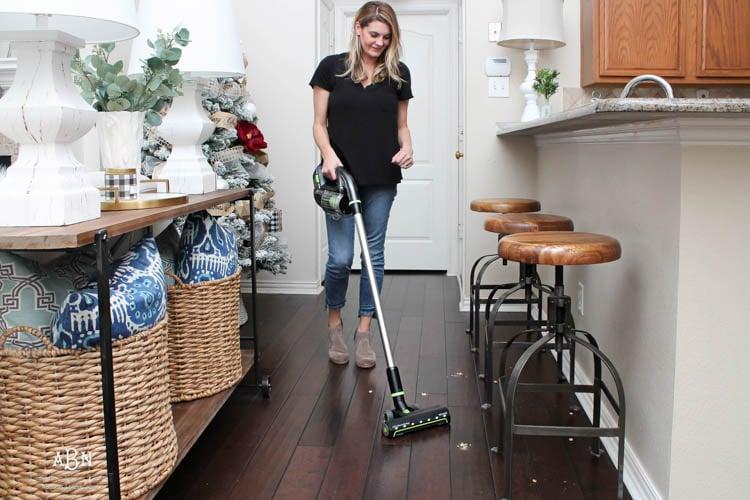 How to Keep Hardwood Floors Clean Year Round