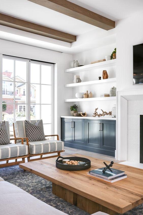 design by Lindye Galloway #livingroom #homedecorideas #livingroomideas #designideas #livingroominspo #blue