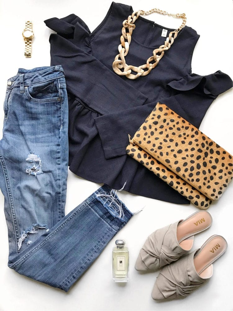 Put this look together easily with all the items linked in this post! #fashion #outfitideas #momstyle
