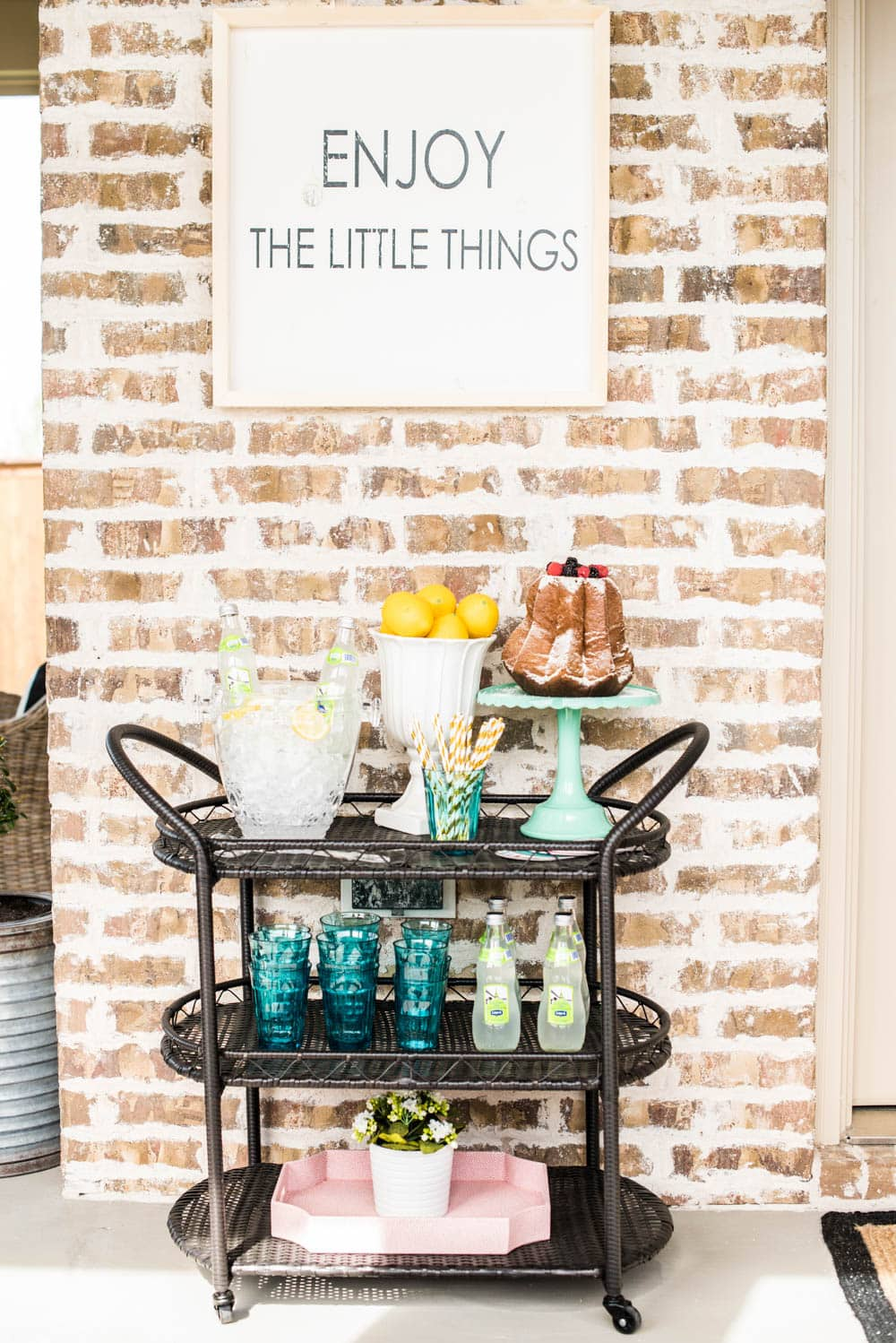 Grab these tips to create a fun springtime party with Items from @Tuesday Morning. #ad #TuesdayMorningFinds