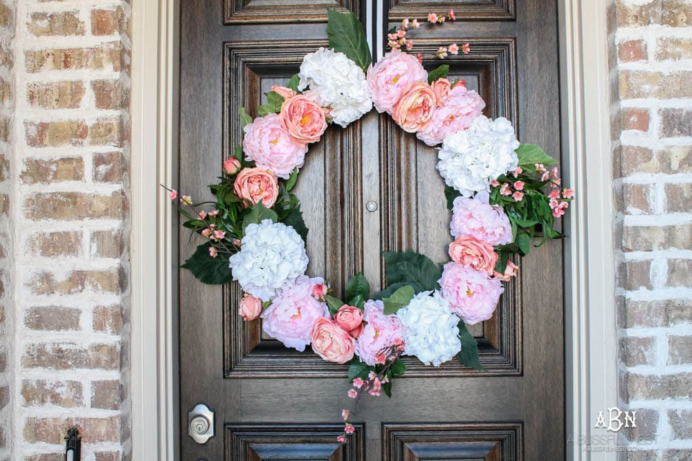 Easy steps to make a peony spring wreath. #springwreath #ditutorial