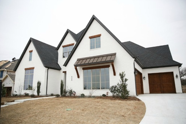 15 Best White Home Exterior Ideas To Up Your Curb Appeal