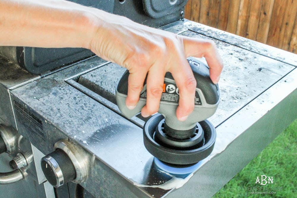Get on top of those hard to clean places in your home with the new Dremel Versa. #ad #ConquerTheCleanup #morecleanlesseffort #Dremel
