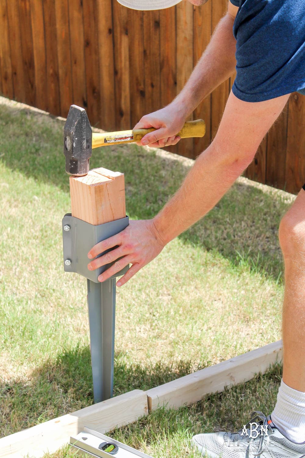Follow our simple steps to recreate this dog gate for your own backyard with this essential gate kit from National Hardware. #ad #NationalHardware