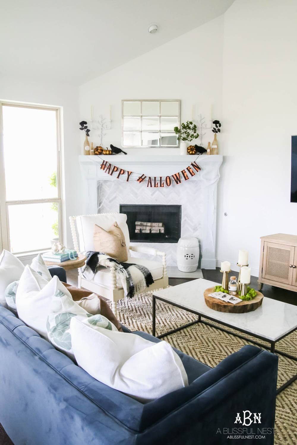 Tips and tricks to have your home ready for Halloween and the essential items you need to create a warm and inviting Halloween party. #ad #worldmarket #discoverworldmarket