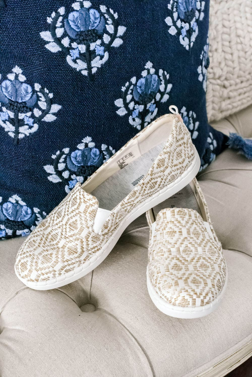 Bouncing into spring with Zappos and Clarks with comfort and style! #ad #ClarksforLife #Comfort #Comfortinyoursoul #ZapposStyle