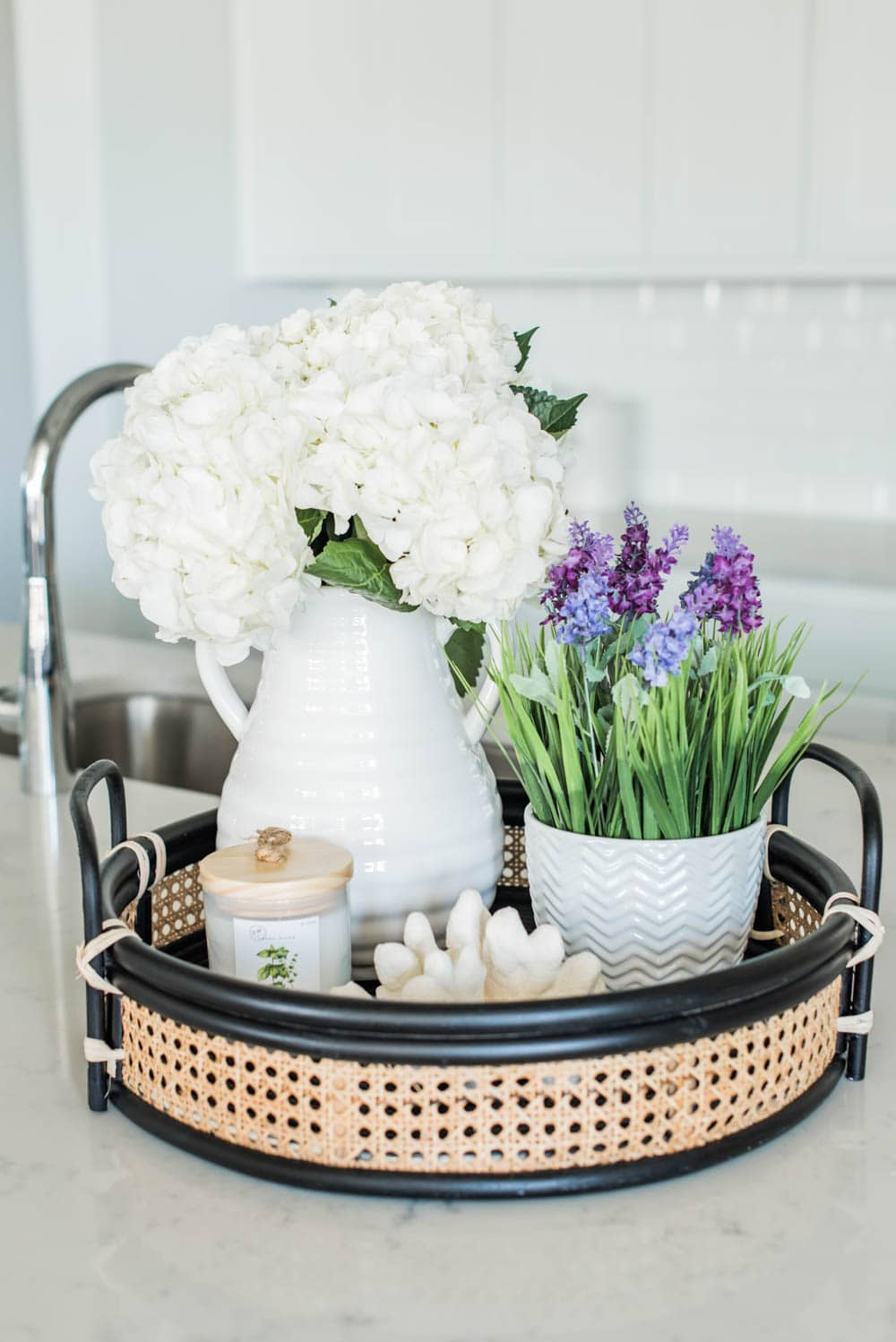 Use a mix of faux flowers and real flowers for simple and effortless spring decorating. #ABlissfulNest #springideas #springdecor