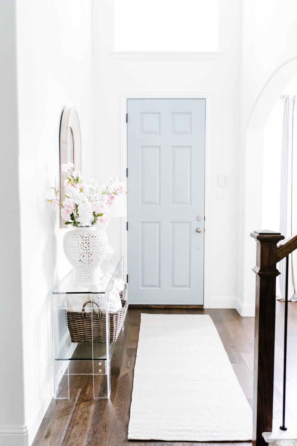 Summer Decor Ideas for The Entryway: