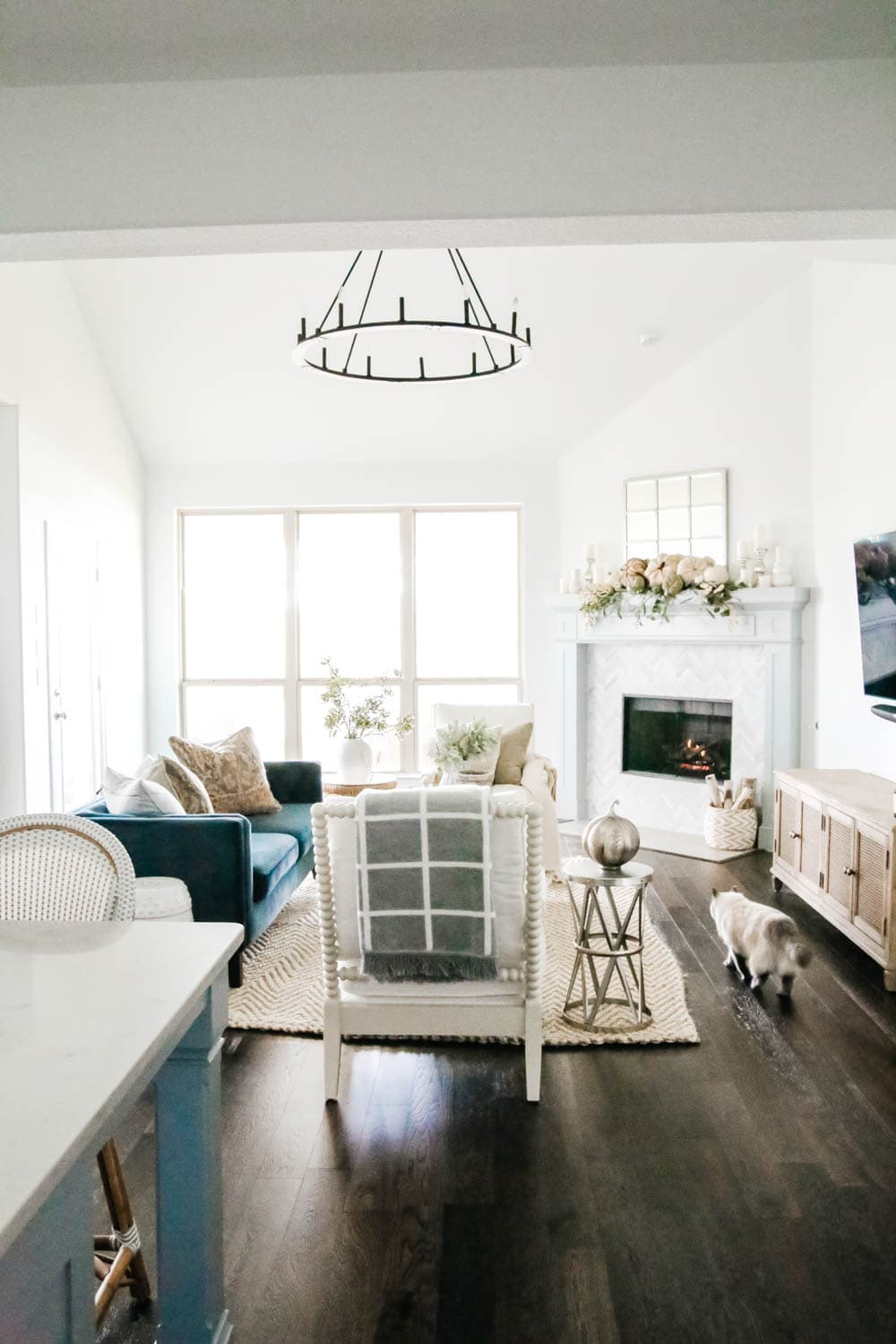 Open concept home, space planning ideas, fall decorating ideas with blue accents for fall. #ABlissfulNest #fallinspiration #falldecorating #livingroomideas