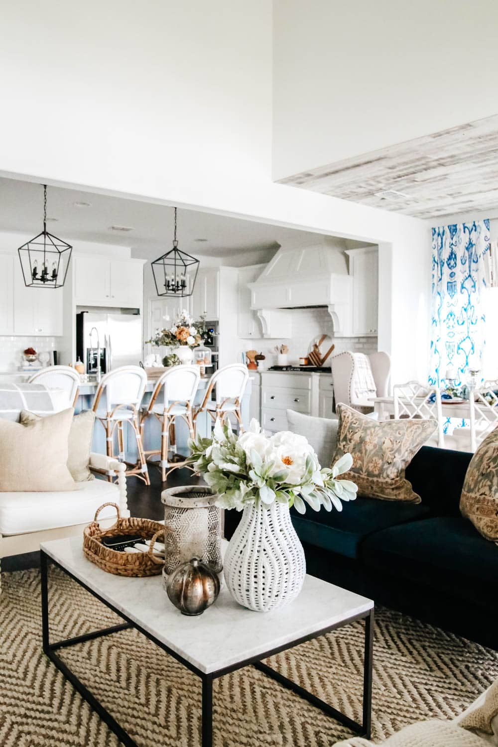 Neutral fall decor mixed with shades of blue for a coastal inspired fall home decor look. #ABlissfulNest #fallinspiration #falldecorideas #livingroomideas