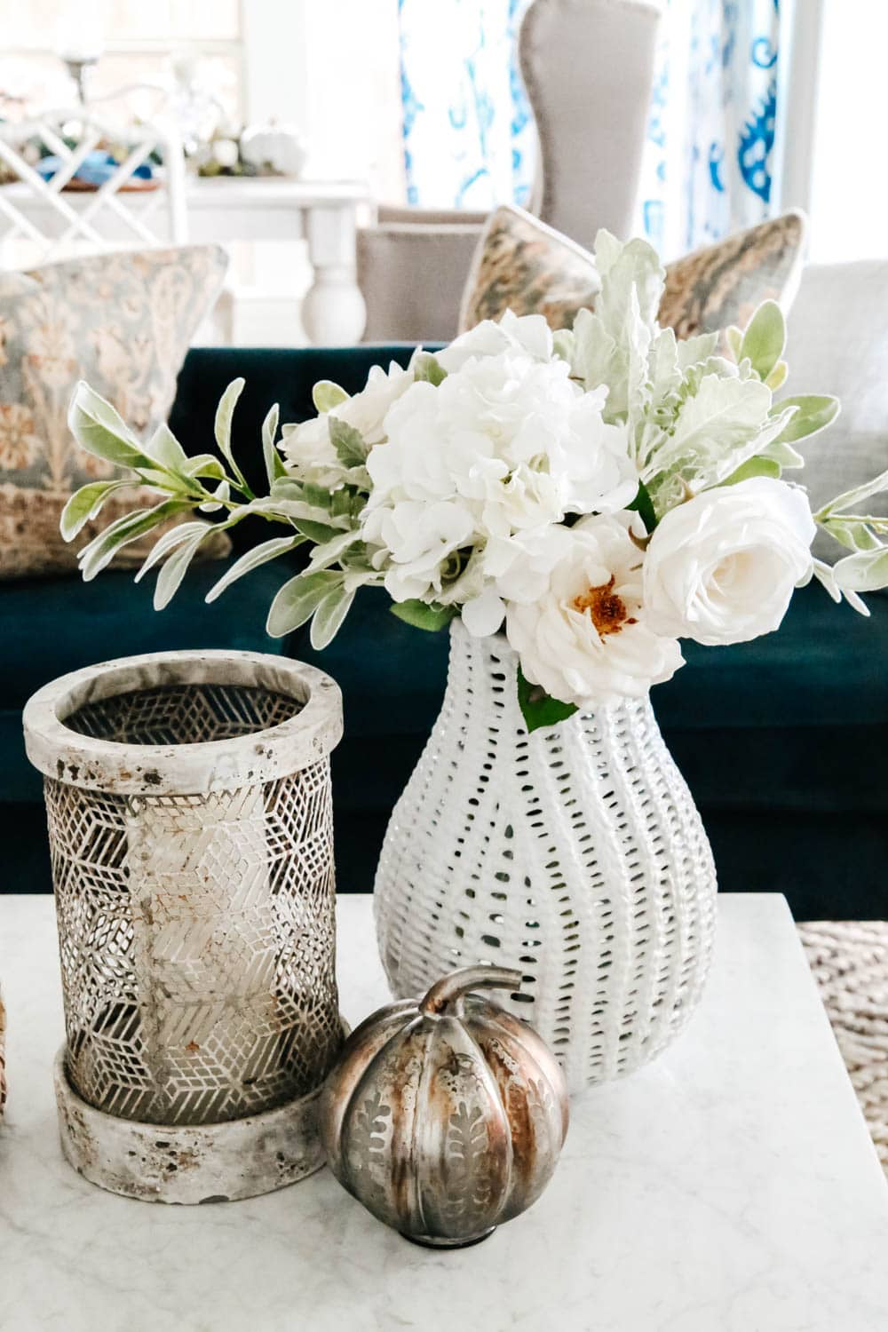 Vintage pieces mixed with more modern decor for an eclectic fall decor look for the living room. #ABlissfulNest #falldecorating #falldecor #livingroomideas