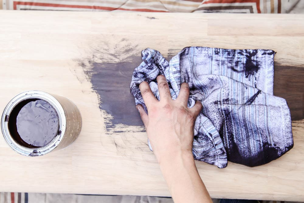 Easy tutorial using stain to makeover a farmhouse bench. #zar #ad
