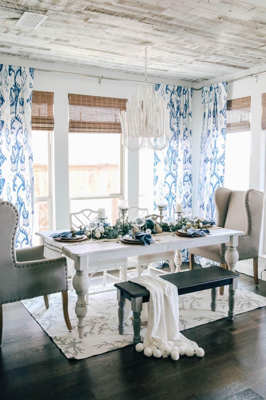 Using fall table decor in shades of blue to create an autumn tablescape. #falldecor #thanksgiving #fallideas