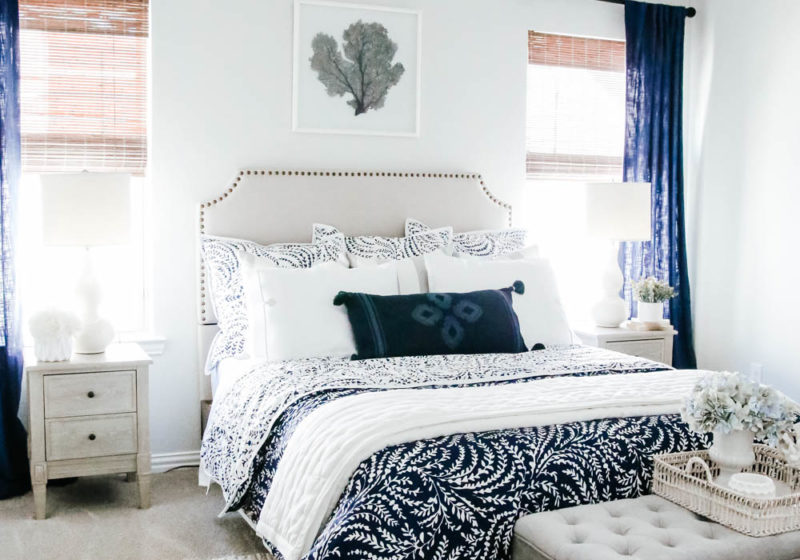 Use these tips to create a cozy guest room this season for your guests. #ABlissfulNest #guestroom #bedroom #bedroomdecor