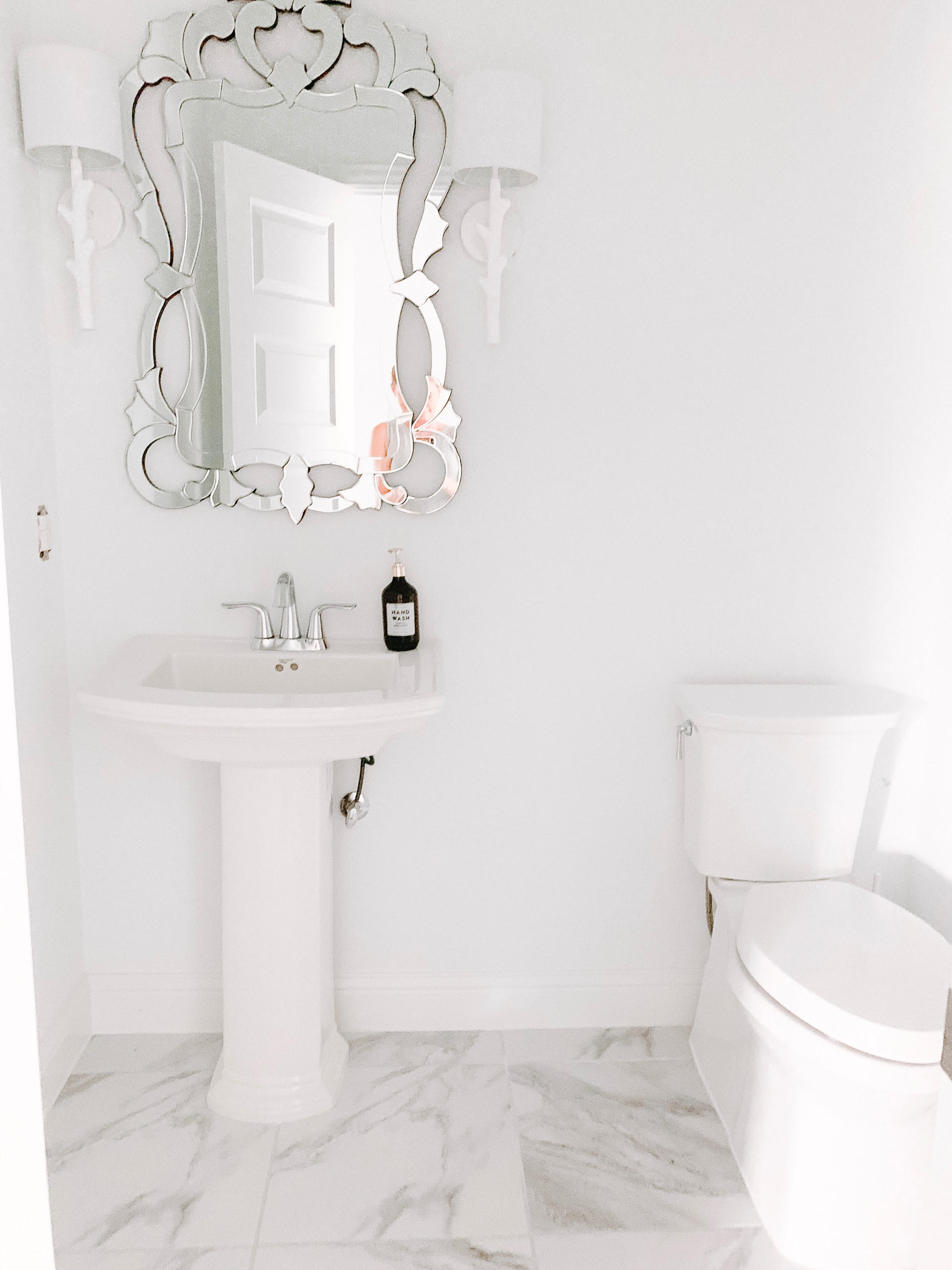 See the design plans for this powder room makeover. #ABlissfulNest #bathroom #bathroommakeover