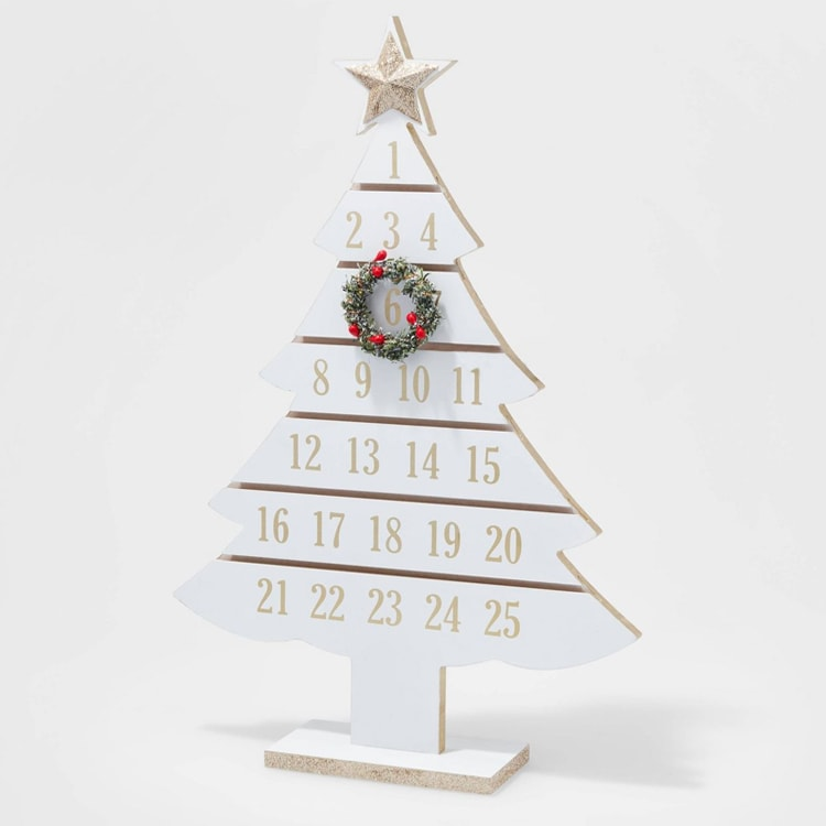 This wooden Advent calendar is a perfect addition to your holiday decor! #ABlissfulNest