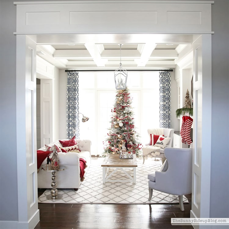 This stunning Christmas Home Tour that Erin from Sunny Side Up shared is so classic!