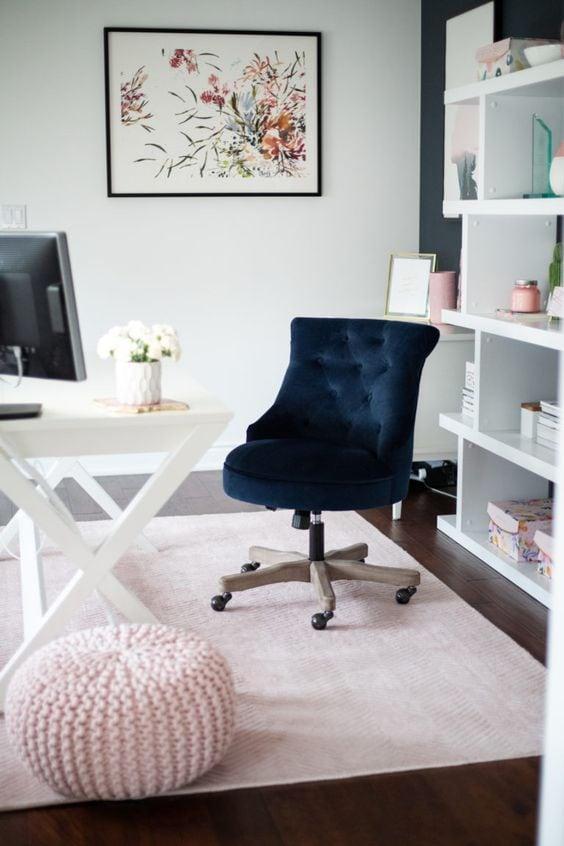 Beautiful modern home office perfect for a girl boss! #homeoffice #officeideas