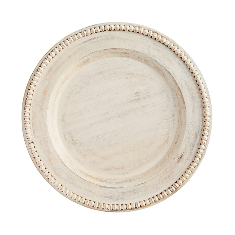 These charger plates will add so much dimension to your table! #ABlissfulNest