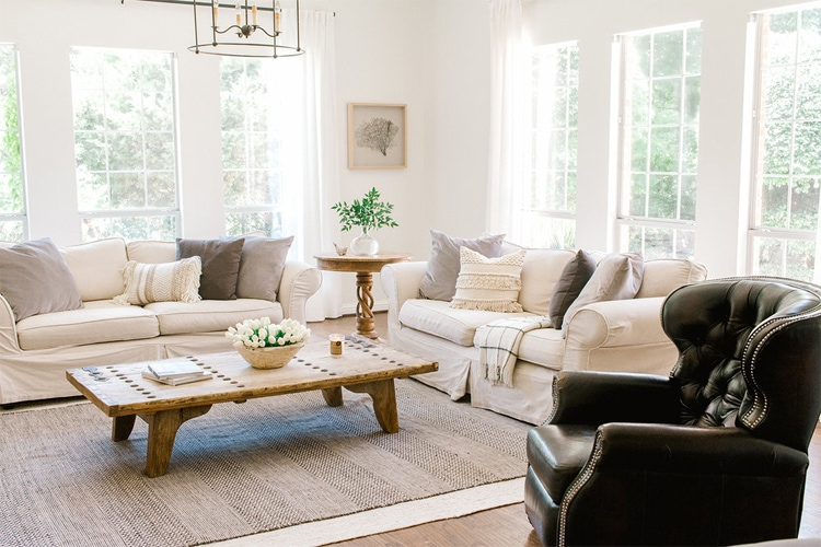 The most beautiful, coastal farmhouse living room by Farmhouse Living!