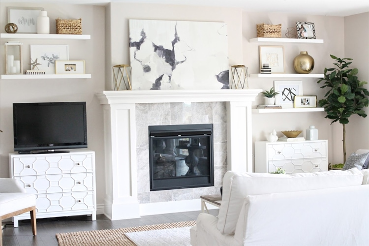 This gorgeous living room is complete with these fake built-in shelves, I love how Courtney from 12th and White put it together!