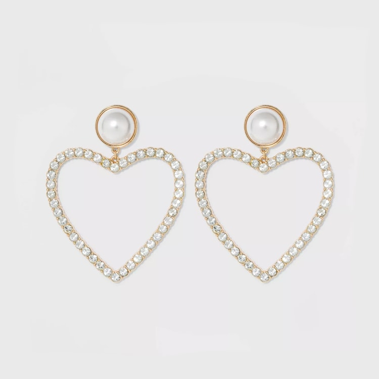 These heart hoop earrings are so fun and under $15! #ABlissfulNest